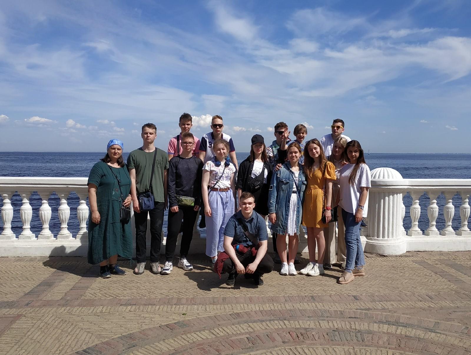 Путешествие из Москвы в Санкт-Петербург